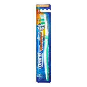Oral-B Toothbrush Classic Ultraclean (Medium)