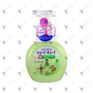 Kirei Kirei Family Foaming Moisturizing Grape Hand Soap 250ml